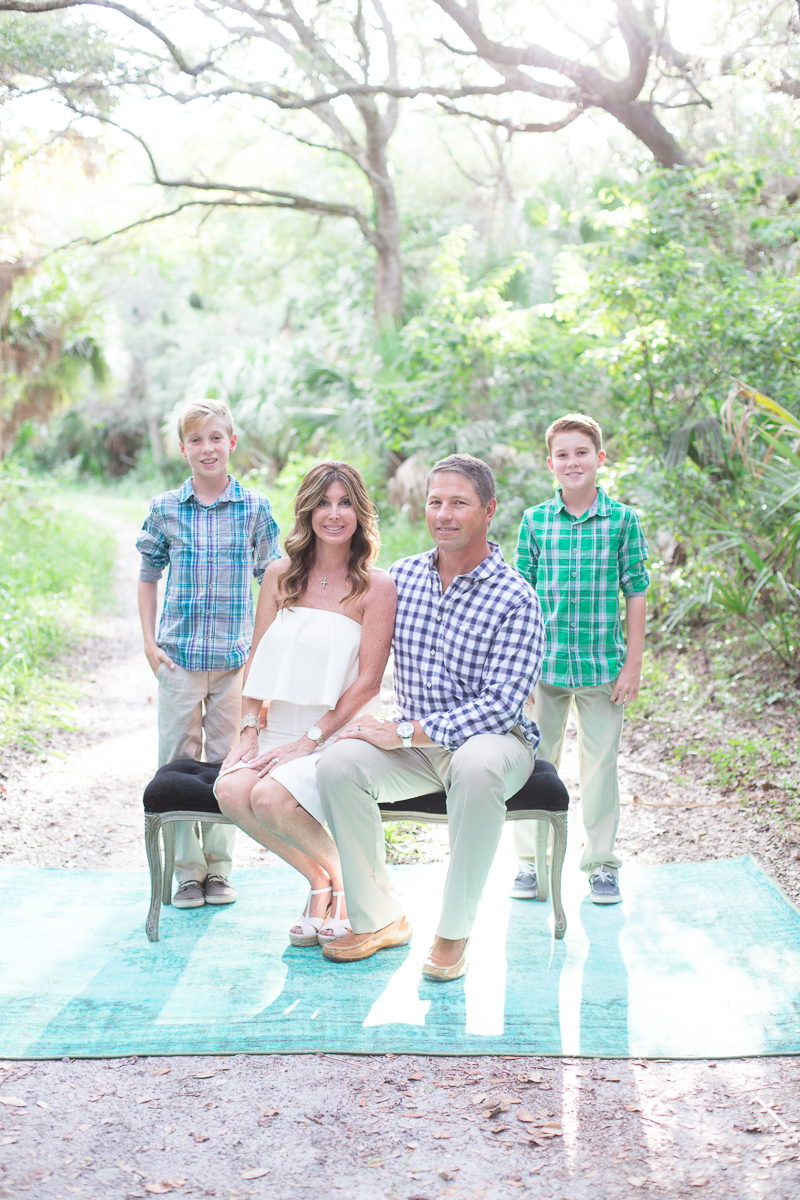 palm beach woodsy family holiday photo session